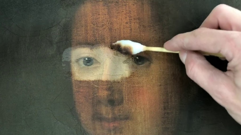 Art Restoration of oil painting in canvas
