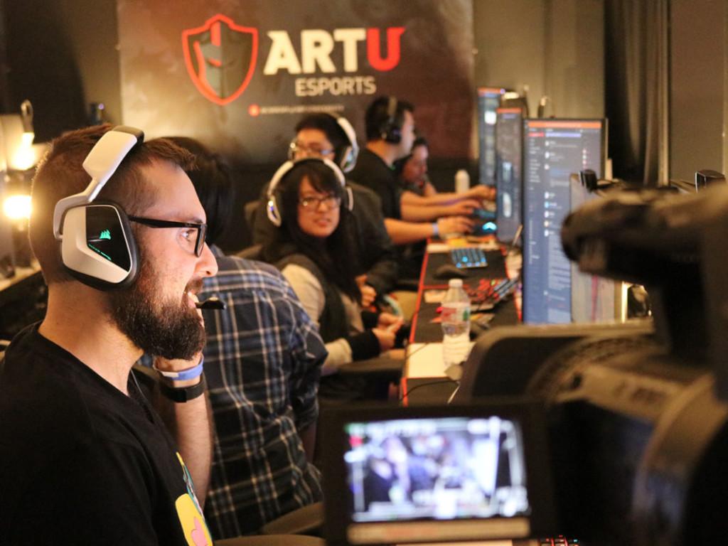 Art U e-sports gamer